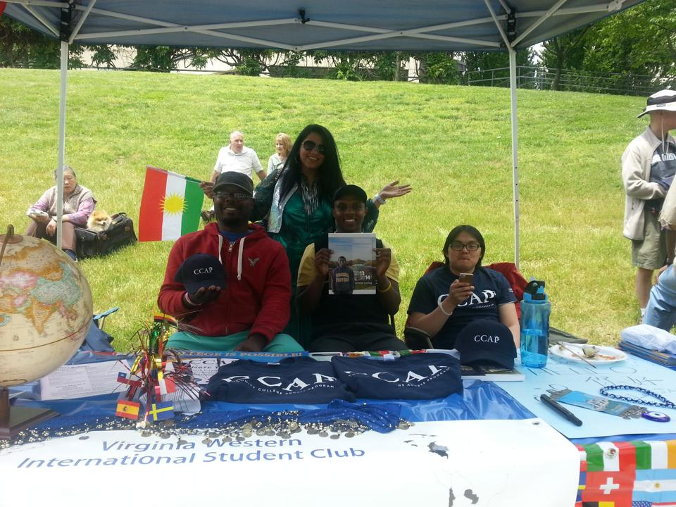 CCAP students and the International Student Club at Local Colors.