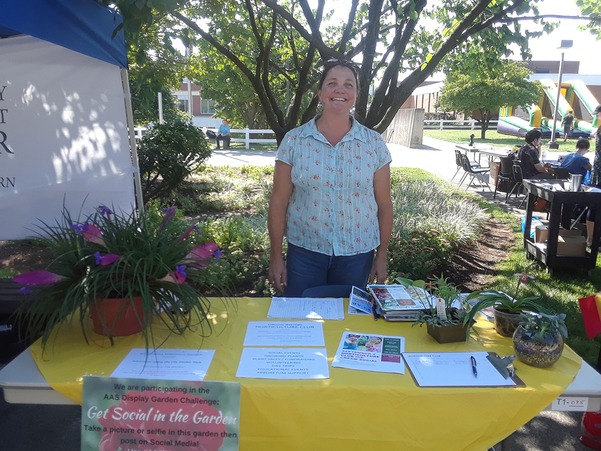 Horticulture Club table at the VWCC Welcome Back Event.